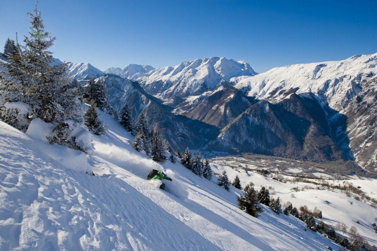 Ski freeride au-dessus de Villard Reculas