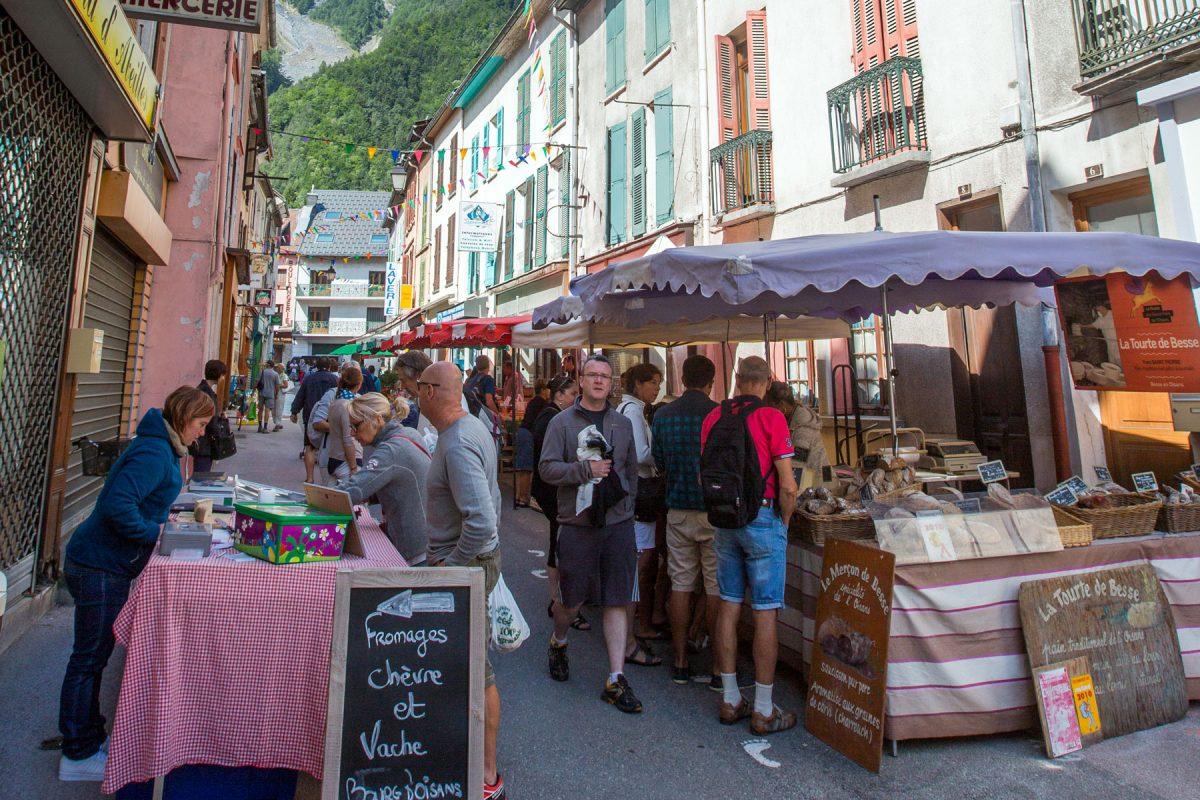 Le marché du Bourg d'Oisans